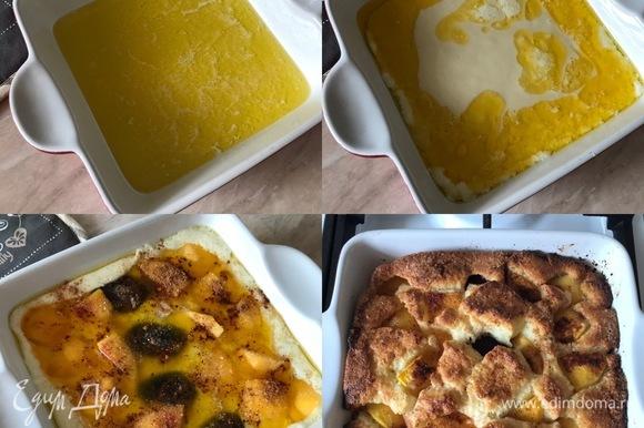 Форму с маслом достать из духовки и вылить сверху тесто. Затем сверху разложить фрукты, посыпать корицей и коричневым сахаром. Выпекать пирог 35–40 минут.
