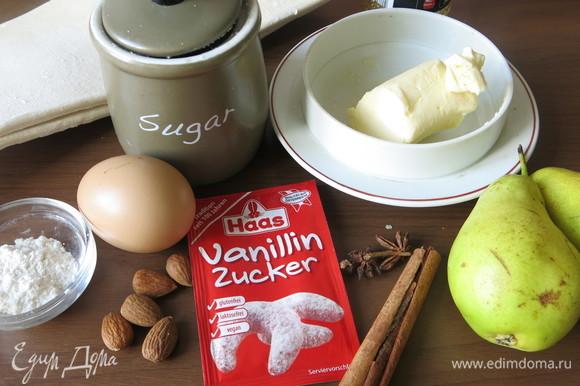 Подготовим продукты: масло сливочное, сахар белый и коричневый, яйцо, груши твердые, мука, миндальная муку или миндаль, бадьян, корица, ванильный сахар.