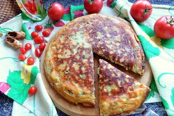 Также из данного теста можно приготовить сырную лепешку — https://www.edimdoma.ru/retsepty/133093-syrnaya-lepyoshka-s-zelenyu.