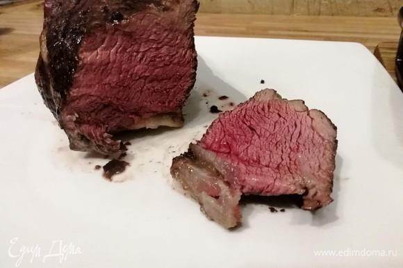 Разрезаем мясо только после отдыха (см. предисловие).