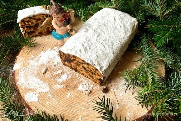 Сахарная пудра своим белым цветом по описанию рецепта должна напоминать завернутого в пеленки Христа-младенца.