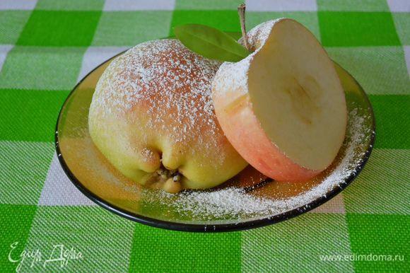 Дуэт: яблоко и груша.
