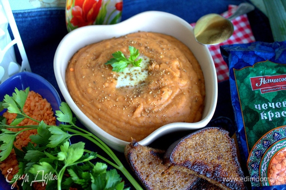 Такой суп можно приготовить и на ужин, а также взять с собой на работу (сейчас много посуды для СВЧ-печи).