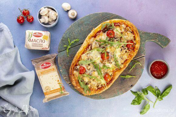 Сытная домашняя пицца готова!