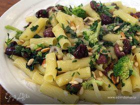 Макароны с брокколи и шпинатом