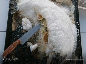 Семга, запеченная в соли