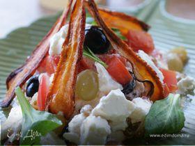 Салат из феты с изюмом, болгарским перцем и виногр