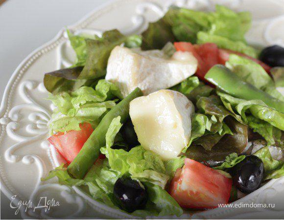 Салат с теплым сыром