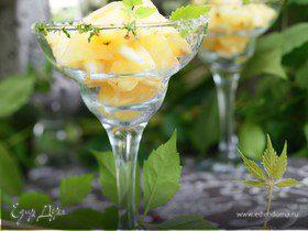 Фрукты с освежающим мятным соусом