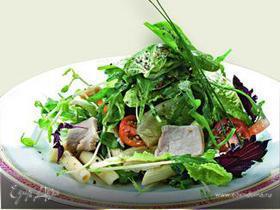 Салат из пенне с тунцом