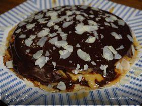 Блинный торт с карамельной глазурью