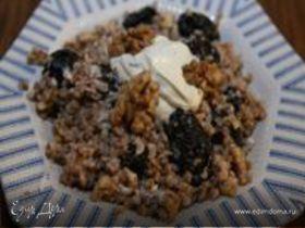 Гречка с черносливом и грецкими орехами