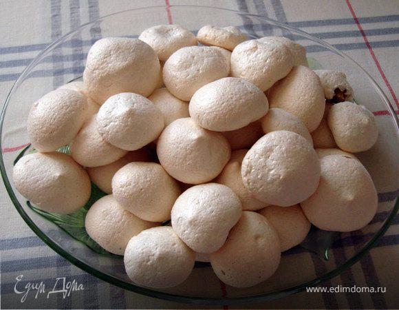 Меренги на грецком орехе
