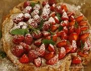 Миндальный торт с ягодами