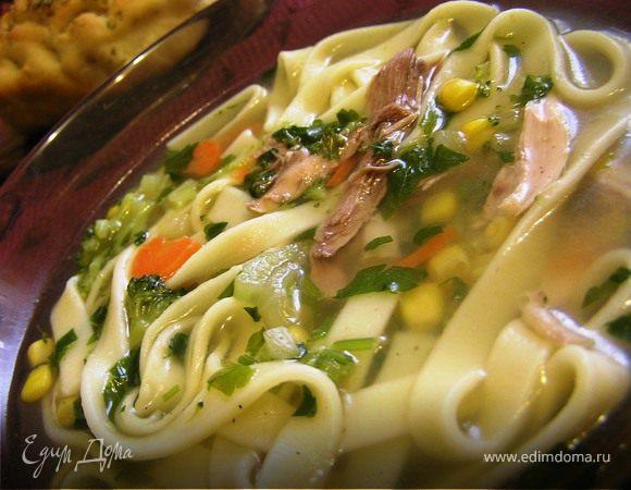 Куриный суп-лапша с брокколи и кукурузой
