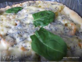 Пицца с креветками и макаронами