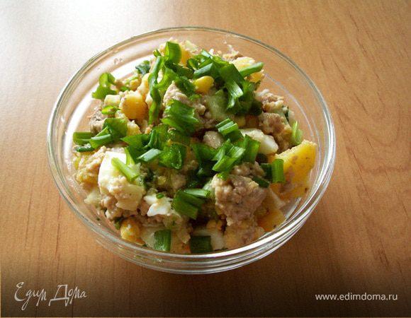Салат из печени трески с кукурузой