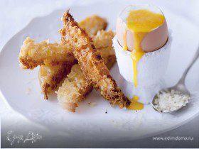 Тосты из сыра пармезан с яйцами