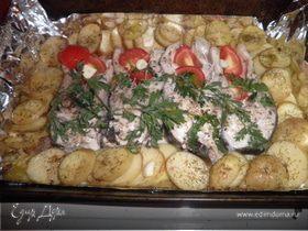 Толстолоб запеченный с картофелем