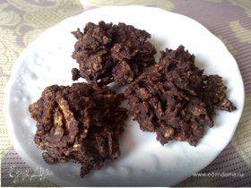 «Печенье» из горького шоколада и кукурузных хлопье