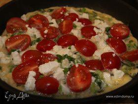 Открытый омлет с фетой и помидорами черри