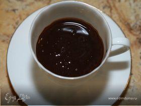 Горячий шоколад с мускатным орехом