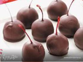 Вишня и черешня в шоколаде