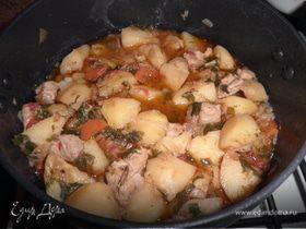 Свинина, тушеная в пиве с картофелем
