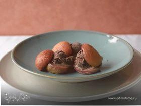 Сандвич из персиков с мороженым
