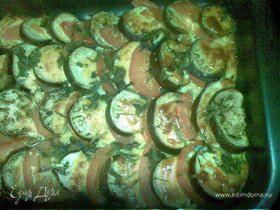Баклажаны с помидорами и сыром
