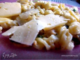 Паста с морепродуктами в сливочно - сырном соусе