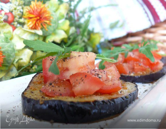 Баклажаны под томатной сальсой
