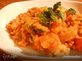 Кальмары с томатами, сладким перцем и рисом