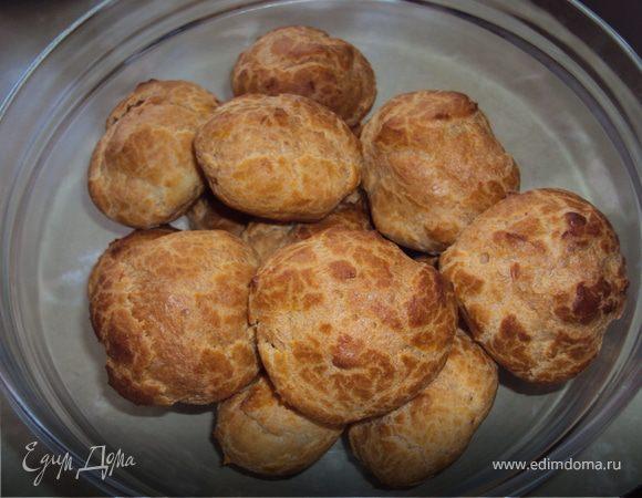 Заварные пирожные с ореховым кремом (эклеры)