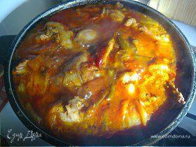 Курица с ананасами и пaприкой в кисло-сладком соусе карри