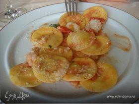 Равиоли с крабовым мясом и сливочным соусом
