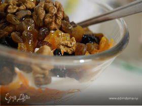 Салат из тыквы с изюмом и сметанкой