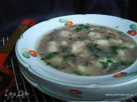 Гречневый суп с картофельными клёцками и шампиньонами