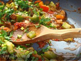 Булгур, киноа и много вкусных овощей.