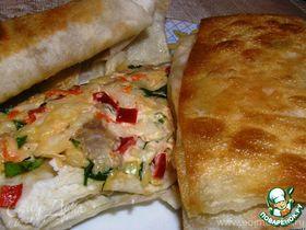 Конвертики из лаваша с сыром, овощами и курицей