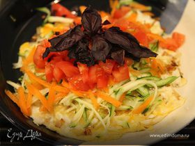 Фриттата с цукини, морковью и помидором
