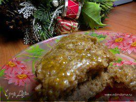 Мягкий мокрый кекс с медово-коричной подливой