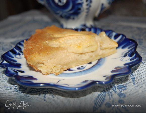 Яблочный пирог с крем-брюле.