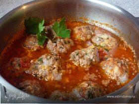 Мясные тефтели с шампиньонами в томатном соусе