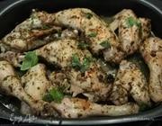 Запеченный в пряностях цыпленок с базиликом