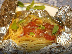 Спагетти в фольге с белым вином
