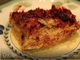 Пирог с ежевикой, имбирем и корицей