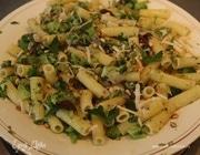 Паста с брокколи, оливками и кедровыми орешками