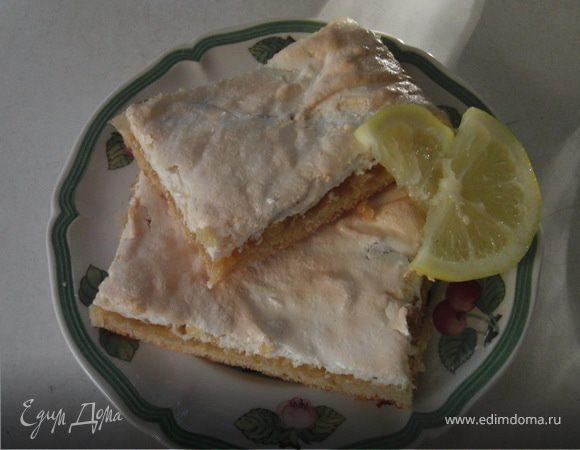 """Лимонный пирог под""""покрывалом""""из безе."""