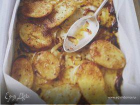 Запечёный молодой картофель со специями.